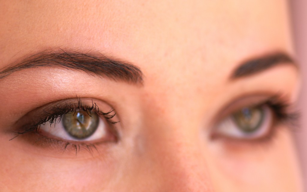 Maquillage nud yeux marron - Maquillage nud yeux vert ...
