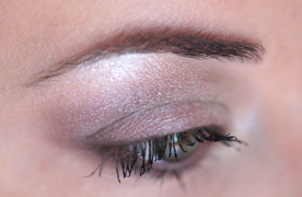 maquillage des yeux avec satin taupe mac