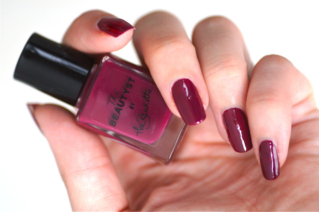 vernis brunette by thebeautyst