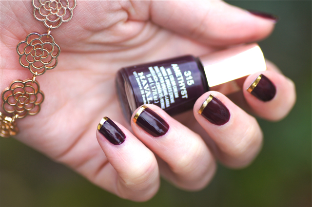 vernis nails bordeaux ongles or dore