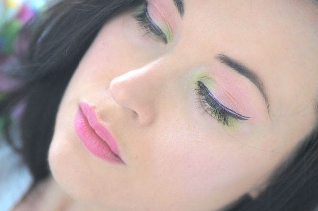 maquillage printemps vert rose