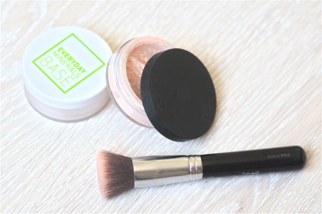 everyday minerals lily lolo ecco verde