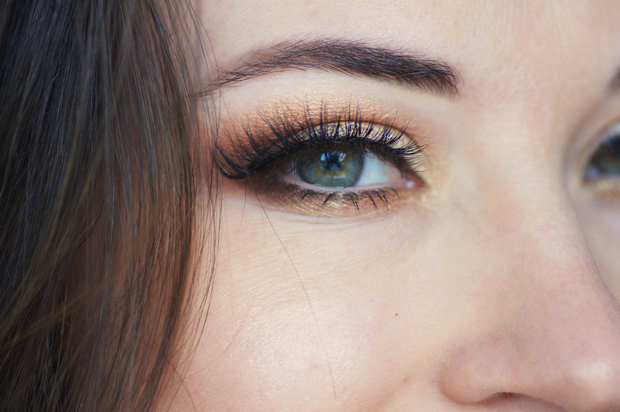 maquillage yeux orange cuivre or