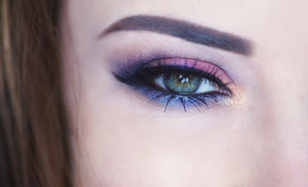 maquillage yeux rose violet bleu corail